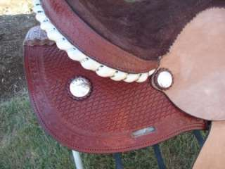 GREAT SADDLE FOR RODEO,TRAIL,PLEASURE, & CAN BE USED FOR BARREL RACING